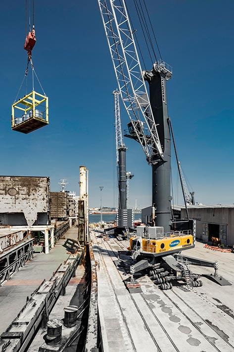 Liebherr harbour crane